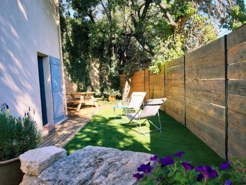 Gîte La Quille - Maison de hameau en Provence pour 4 personnes avec jardin privatif - Location saisonnière - Le Puy-Sainte-Réparade