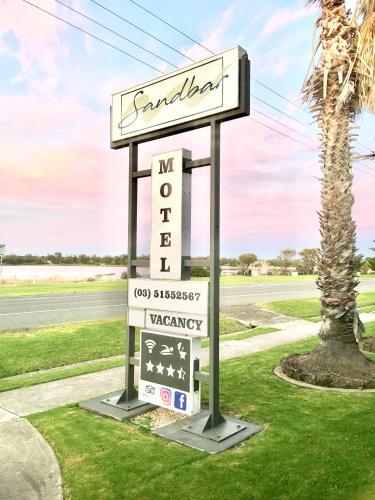 . Sandbar Motel