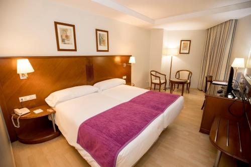 Golden Tulip Andorra Fenix - Hotel - Andorra la Vella
