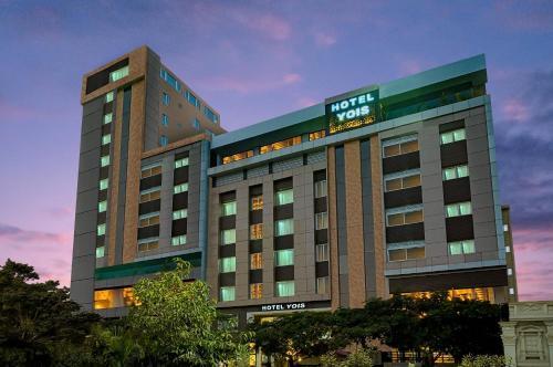 . Hotel Yois
