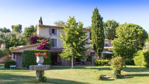 Accommodation in Le Rouret