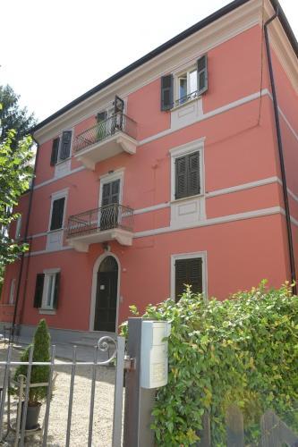 . Rivaro Palace