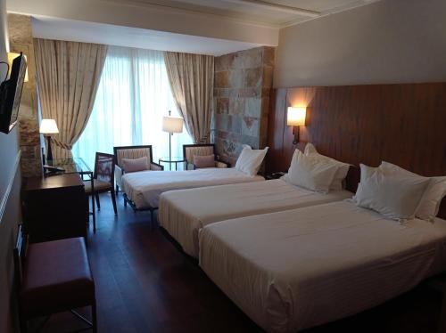 Standard Dreibettzimmer Hotel Nuevo Portil Golf 17