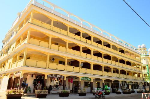 . HOTEL MENABE