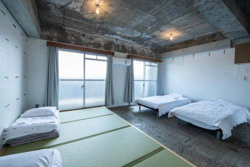 Room with Tatami Area with Shared Bathroom and Toilet