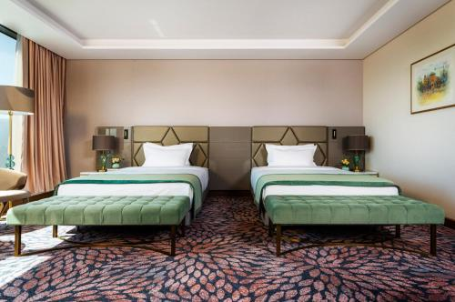 Exclusive Room with Twin Beds
