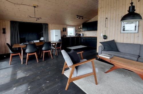Hilltop Cabin Hekla - Golden Circle, Mountain View - Photo 3 of 28