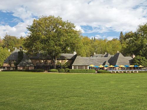 UCLA Lake Arrowhead Lodge - Hotel - Lake Arrowhead