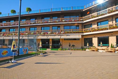 . Park Hotel Izida