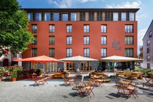 Balade, Pension in Basel