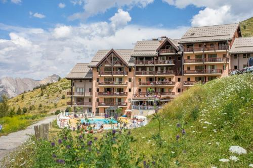 Résidence Pierre & Vacances Le Thabor - Hotel - Valmeinier