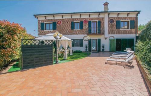 . Villa Antique