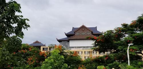 . Doudou Meilan Fengqing Inn