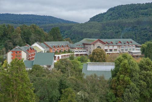 Hotel Termas Puyehue Wellness & Spa Resort - Accommodation - Puyehue