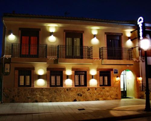 . Apartamentos Turisticos Mirayuste