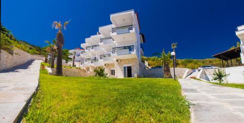 Photo - Halkidiki Palace