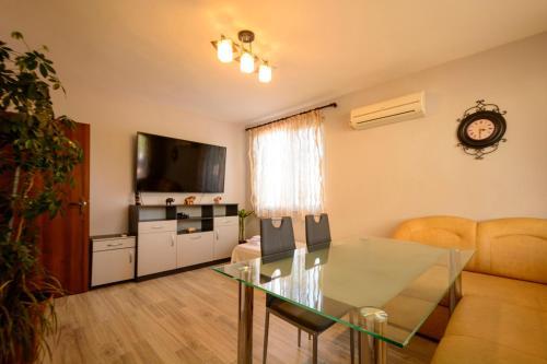 Apartment Yanevi