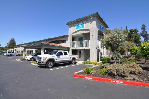 . SureStay Hotel by Best Western Castro Valley