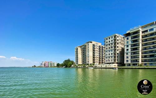 Deluxe Criss Solid Residence Mamaia - Apartment