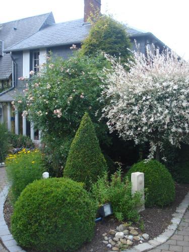 Au p'tit jardin - Chambre d'hôtes - Saint-Sylvestre-de-Cormeilles