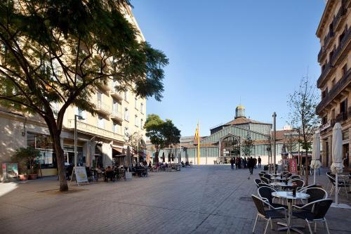 Inside Barcelona Apartments Mercat photo 12