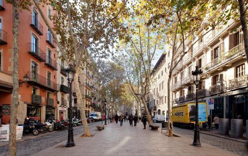 Inside Barcelona Apartments Mercat photo 14