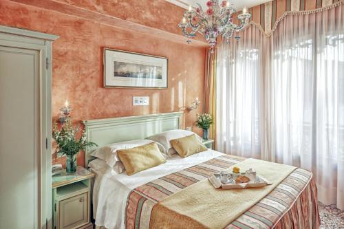 . Hotel Firenze