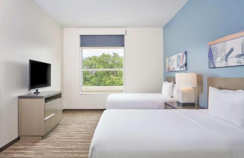 One Bedroom Suite, 2 Queen Beds