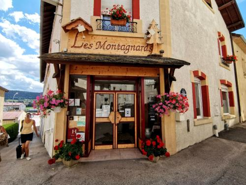 __{offers.Best_flights}__ Hotel Les Montagnards