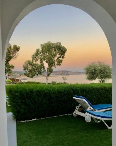 . Governors Beach Costas Holiday Apartments