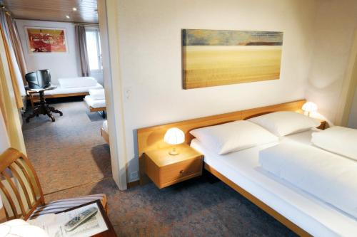Hotel Kreuz room photos