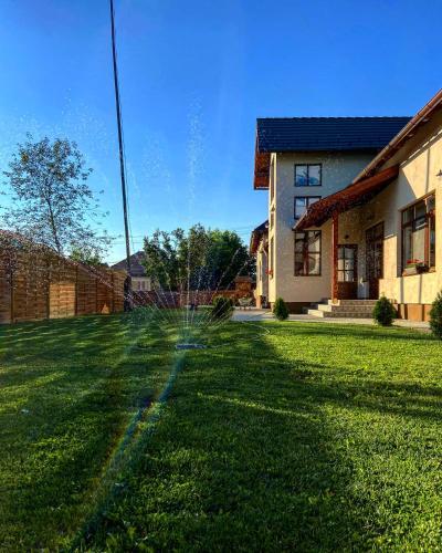Famíves vendégház - Accommodation - Racu