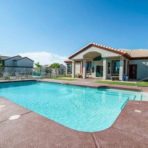 213- 2BR Apartment in Coolidge, AZ w pool, gym - Coolidge