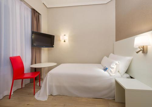 Hotel Madrid Gran Via 25 Affiliated by Meliá - image 5