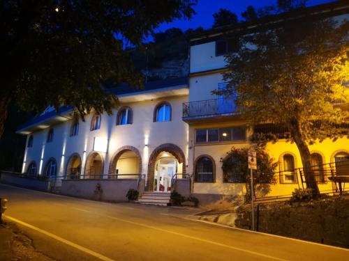 . Hotel Ristorante Farese