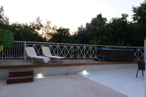 Luxury Fani House Next to Harbor area with Jacuzzi