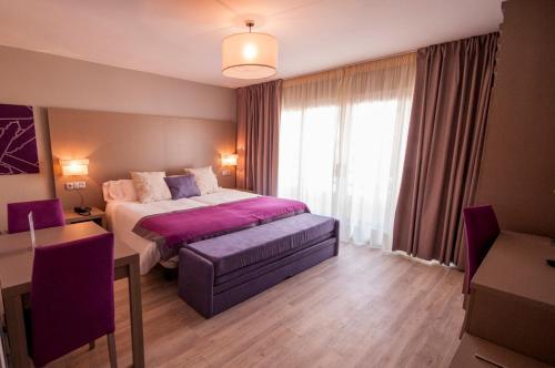 . Hotel El Faro Marbella