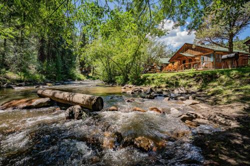 Colorado Bear Creek Cabins - Accommodation - Evergreen