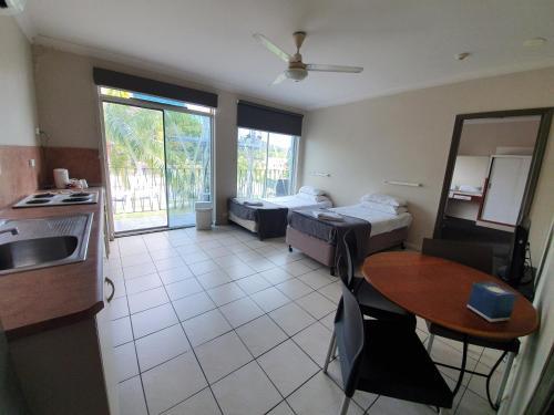 Hotel Allen Townsville  Australia