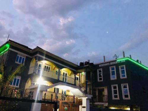 __{offers.Best_flights}__ Bunyonyi Heights Inn