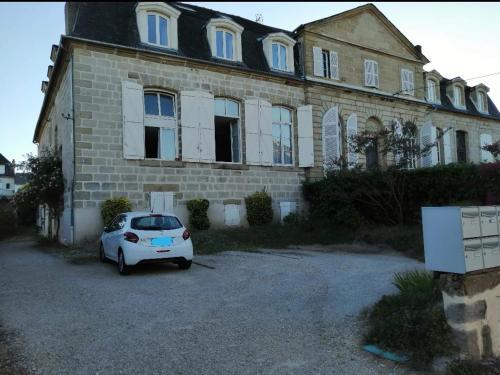 la vie de château - Location saisonnière - Brive-la-Gaillarde