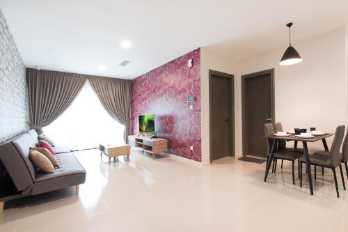 Modern, High Floor Suasana Suites 05 in JB, Johor Bahru