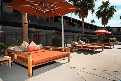 Sonder at V Palm Springs Main image 1