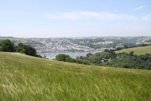 Sandquay Road, Dartmouth, Devon TQ6 9PH, England.