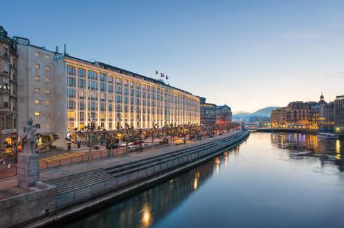 Quai Turrettini 1, 1201 Geneva, Switzerland.