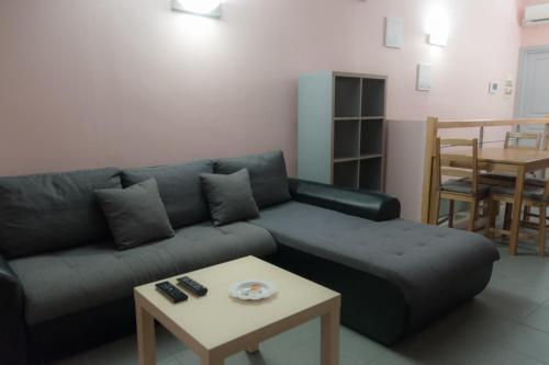 . Charming flat near train station - Air Rental