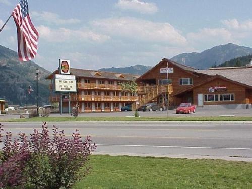 The Bull Moose Lodge - Accommodation - Alpine