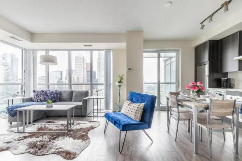 Stunning Views Of Downtown - Luxury High Rise With King Bed!