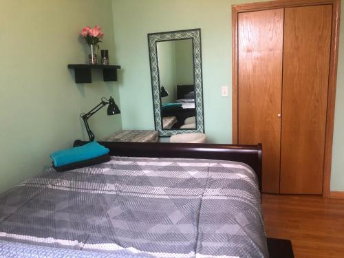 Room in Ukrainian Village Main image 2