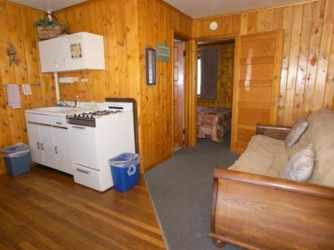 Canyon Motel - Hot Sulphur Springs, CO 80451